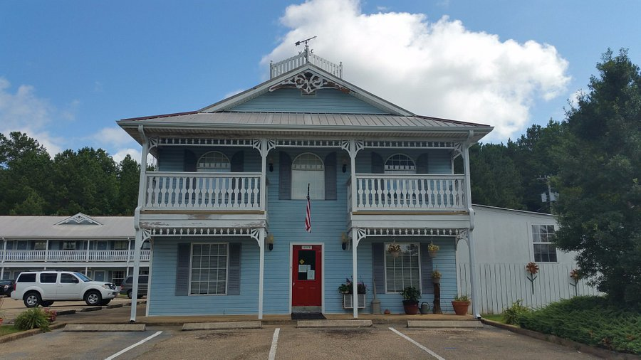Victorian Inn Hotel Reviews Iuka Ms, Town And Country Furniture Iuka Ms