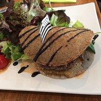 La super originale et bonne crêpe hamburger!