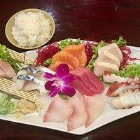 Sashimi deluxe - so pretty!