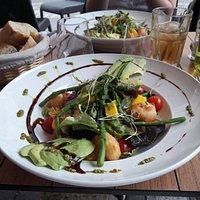 La salade du jour: un délice pour les paiplles.