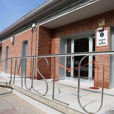 Fachada Oficina de Turismo de Rueda
