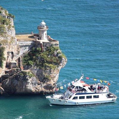 Barco que va hasta el Faro del Caballo