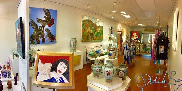 Inside Didi La Baÿsse Art Studio & Gallery