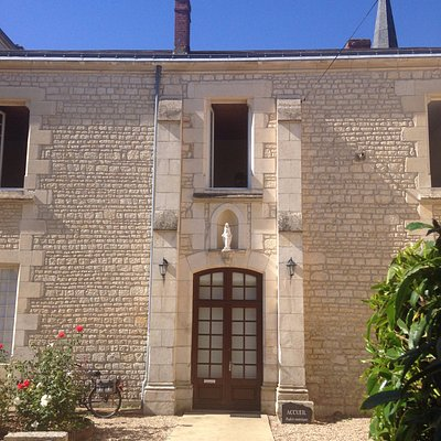 Carmel of Lucon - shop entrance