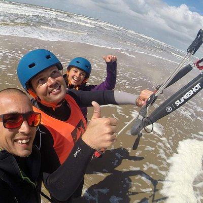 Learn to kitesurf the safe way bij Dare2Kite in ' gravenzande