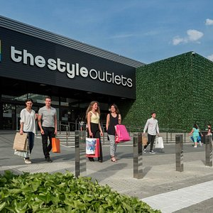 Entrada SS de los Reyes The Style Outlets