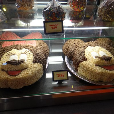Massive rice krispie cakes
