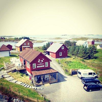 Bilde tatt av Willy Lyngvær. Dette viser Stensønes gård.