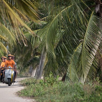 Hoi An Tours - Vespa Adventures