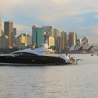 Quantum - A 120 foot Luxury Warren Yacht. Perfect for overnight family charters or day cruises.