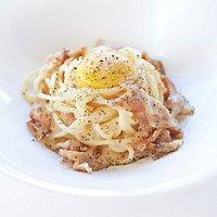 """""""Spaghettoni di Gragnano"""" with Carbonara sauce"""