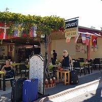 Fra Favori Restaurant Cafe & Bar