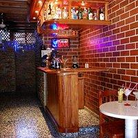 Bar. Entrada al restaurante