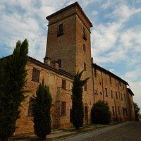 Risale al 1472 e sorge in cima alla collina della Chiesa ,  de vedere e riscoprire