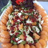 Salada de Pupunha, Aspargos Frescos, Tangerina e Goji