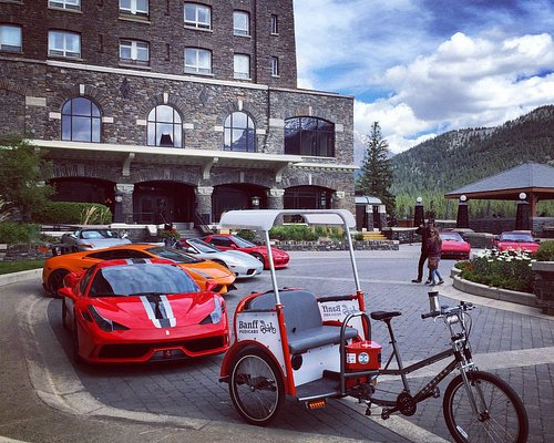 """VIP Entrance at the Fairmont Banff Springs Hotel - pick up/drop off/visit for the """"$1,000,000"""" v"""