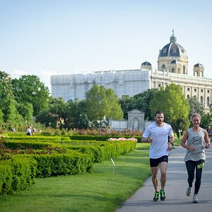 Vienna Sightrunning is the ideal offer to explore the city running.
