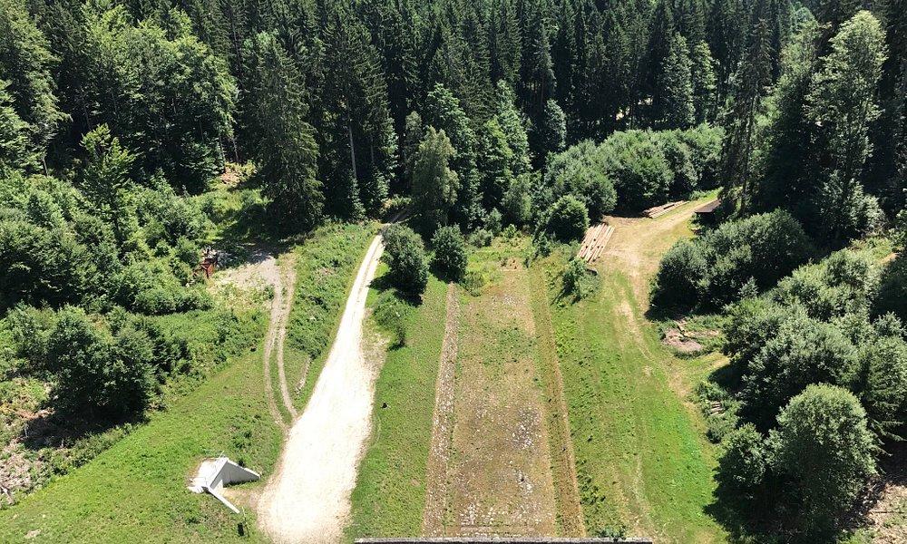 Die Schwarzenbachtalsperre ist ein schöner Zwischenstop auf der Durchreise nach Forbach.
