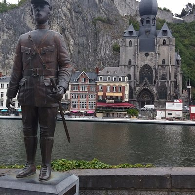 The statue of Charles de Gaulle in Dinant.