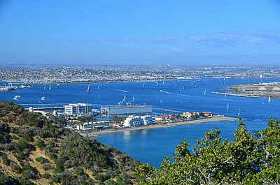 Birdseye view of San Diego Bay from Cabrillo National Monument at San Diego, CA. (©Alex Lee)