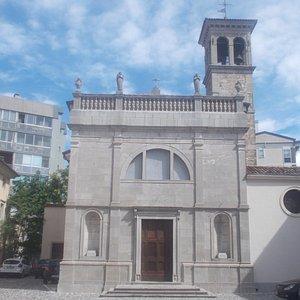 San Pietro ai Volti - Facciata