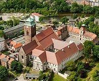 Widok ogólny na dawne Opactwo poaugustiańskie i kościół pw. WNMP w Żaganiu