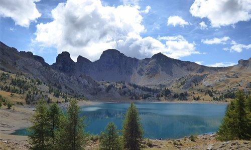 Le lac d'Allos au mois d'août, photo office de tourisme du Val d'Allos CB