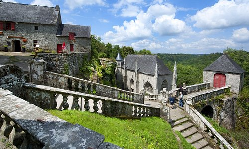Visite à proximité : chappelle Saint Barbe et randonnée magique au bord de l'Ellé