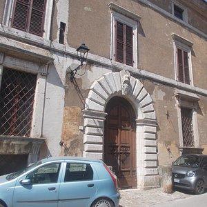 Palazzo Alberti - Portale
