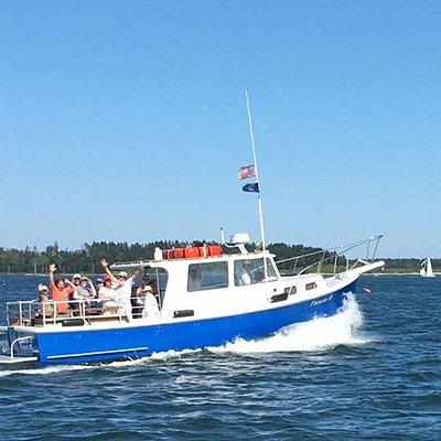 Pamela B underway to Eagle Island