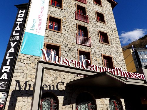 Façana principal i entrada al Museu Carmen Thyssen Andorra