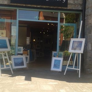 Gallery exhibiting works from Mary Horan and David Lee.