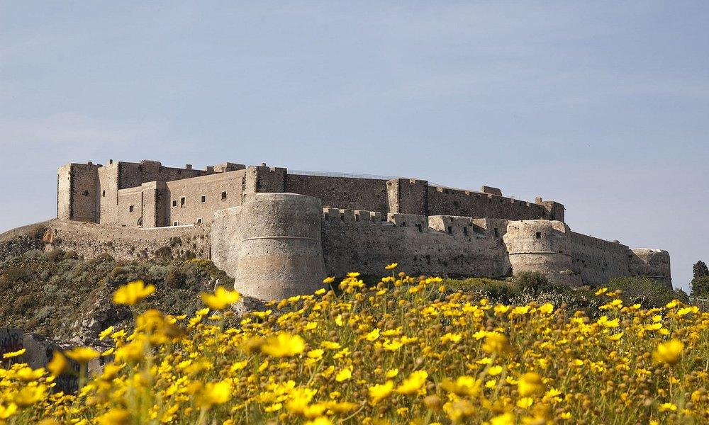 Castello di Milazzo in primavera