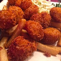 Fried Scallops and crisp fries!