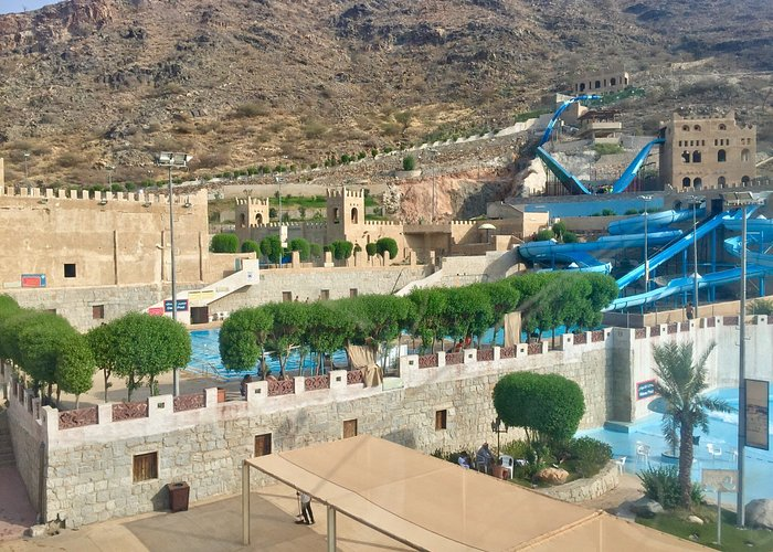 The best way to appreciate the beauty of  majestic mountain ranges of Taif: to ride the cable ca