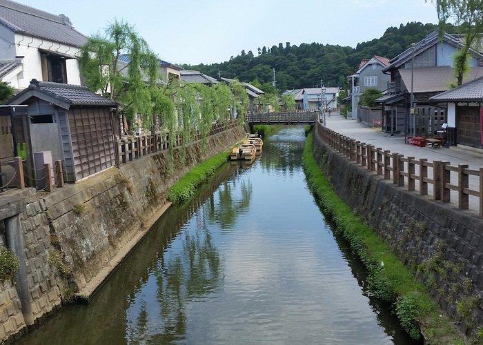 小野川沿いの古い街並み