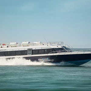BlueWater Express IX in Speed