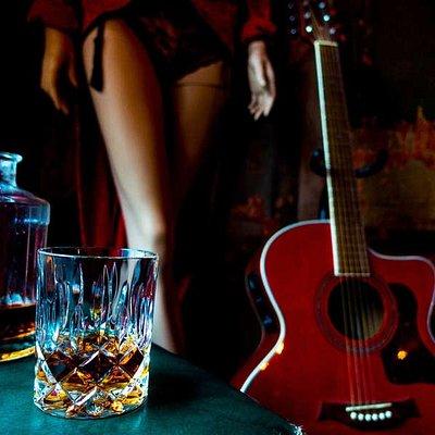 ein herzerwärmender Whisky in der Bar Sünde!
