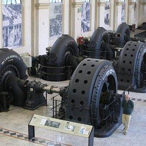 La sala macchine della Centrale idroelettrica di Malnisio