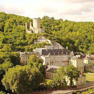 Château de La Roche-Guyon. Photo de Jérôme Hauvill. Juillet 2017.