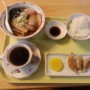 ランチのラーメン餃子定食