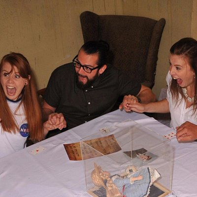 Genuine Customer Reaction of The Séance - Paranormal Scare Experience!