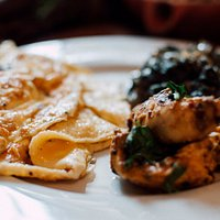 Meal - Chicken and spinach with an omelette (high protein)