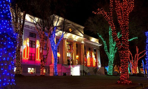 Courthouse Decorated at Christmas (2014)