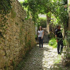 St Cirq Lapopie pathways