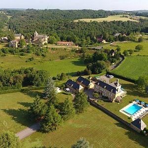 5* Les Charmes de Carlucet Manor house & villa. Both have private heated pools & private Gardens