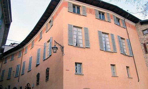 immagine del Palazzo da Piazzetta Alcarina