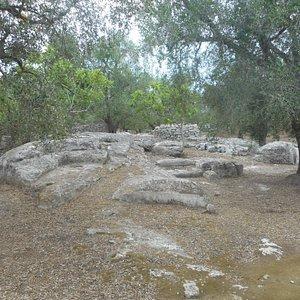 impronta sulla roccia del piede di Ercole