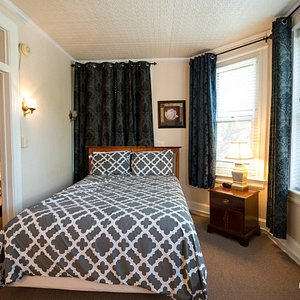 The Double Bed at the Kalorama Guest House