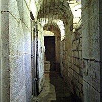 Galerie dans les prisons royales de Saint-Amour